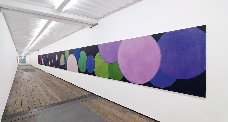 Hans-Willi Notthoff – COSMOCROMIC – IMPORT/EXPORT, 100x1500 cm, 5-teilig, Acryl und Öl auf Leinwand,2010, FIH, Stiftung Insel Hombroich, Raketenstation